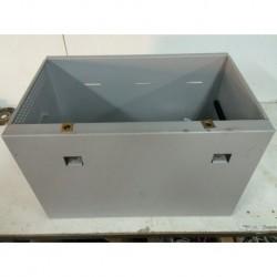 Caja metalica 48x29x25 con tapa.