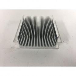 Disipador de calor de aluminio 82x82x33mm